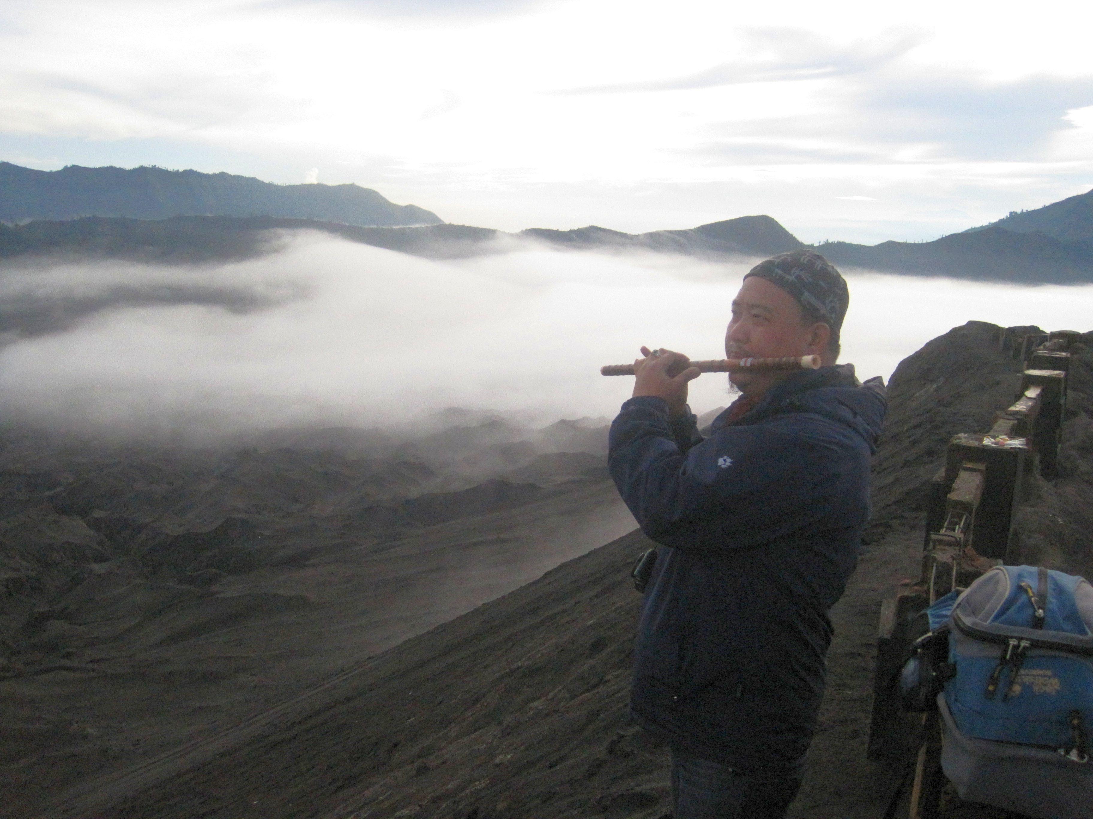 Krater m Musik