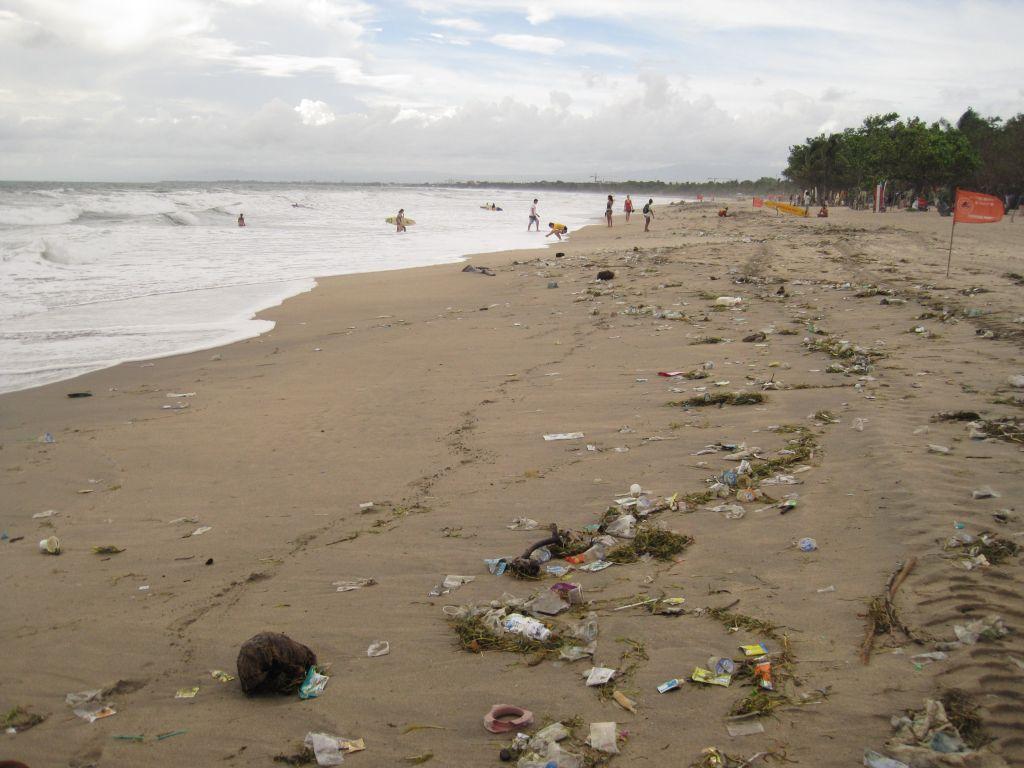 am Strand von Seminyak