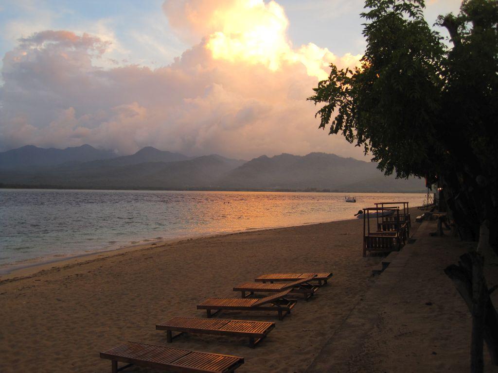 Blick von Gili-Air auf Lombok