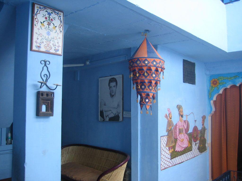 sogar die Zimmer sind blau
