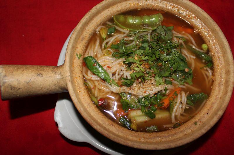 Pot Pot mit Nudeln und Gemüse