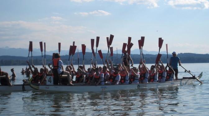 Humor & Teamwork bestimmten das Drachenbootrennen der Gastronomie 2015