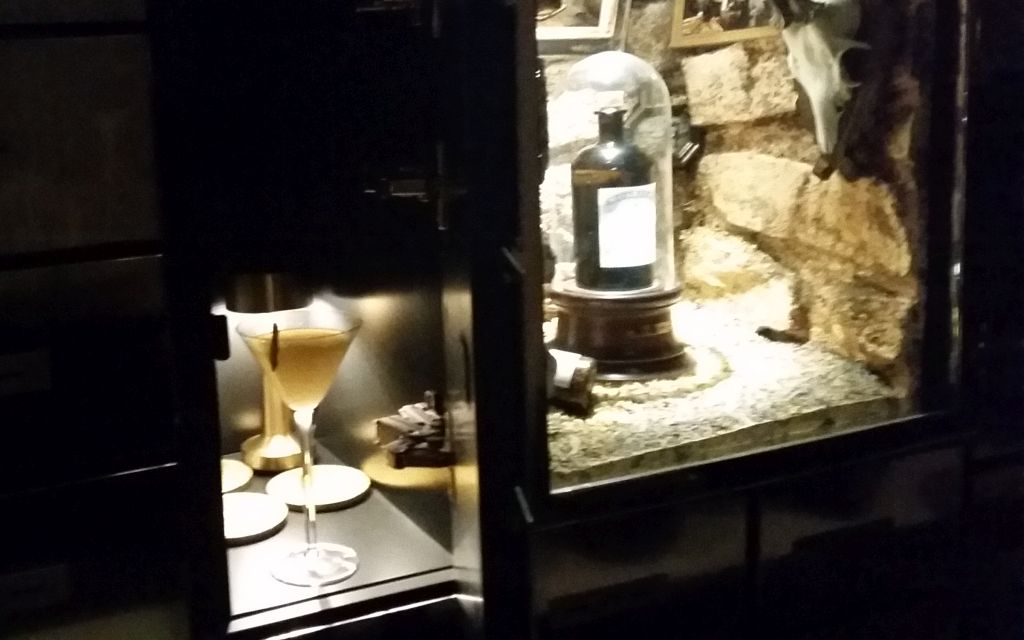 Cocktail aus dem Schließfach im Bankers Foto: dk