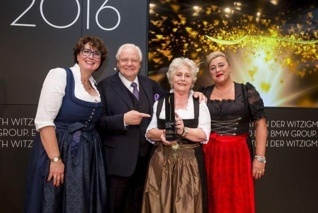 Eckart Witzigmann mit den 3 Damen vom Viktualienmarkt