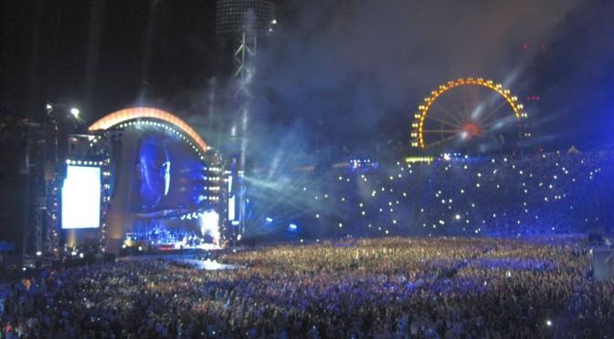 frisch gejazzt von Panzerballett bis zur Robbie Williams – Gigantomie