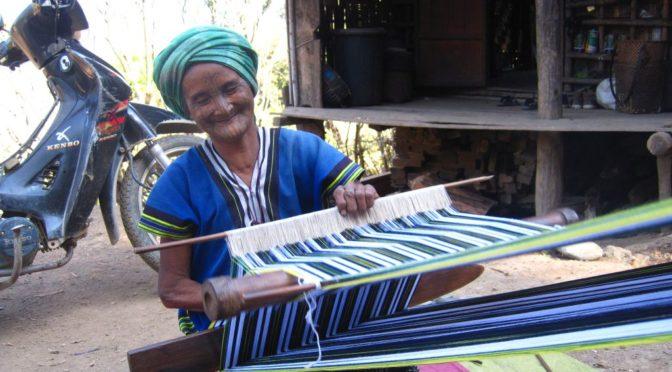 Wegen ihrer Schönheit tätowiert, die Chin-Frauen im Norden Myanmars