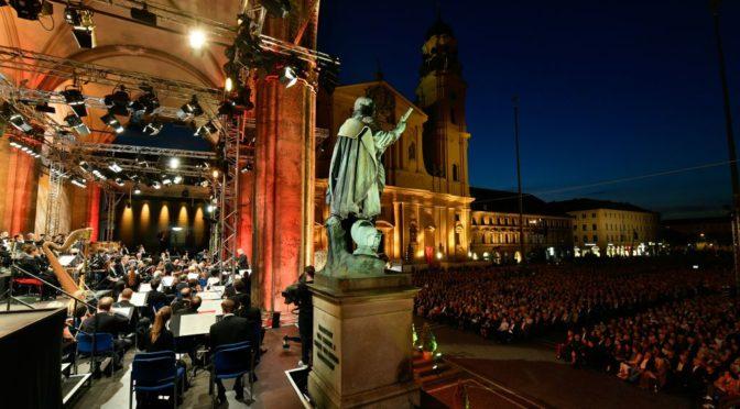 Ein Klassisch schönes Sommer-Wochenende am Odeonsplatz