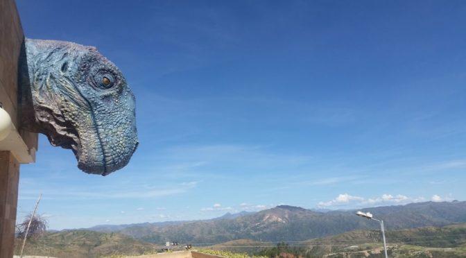 Bolivianisch-feuchter Karneval und Dinosaurier bei Sucre